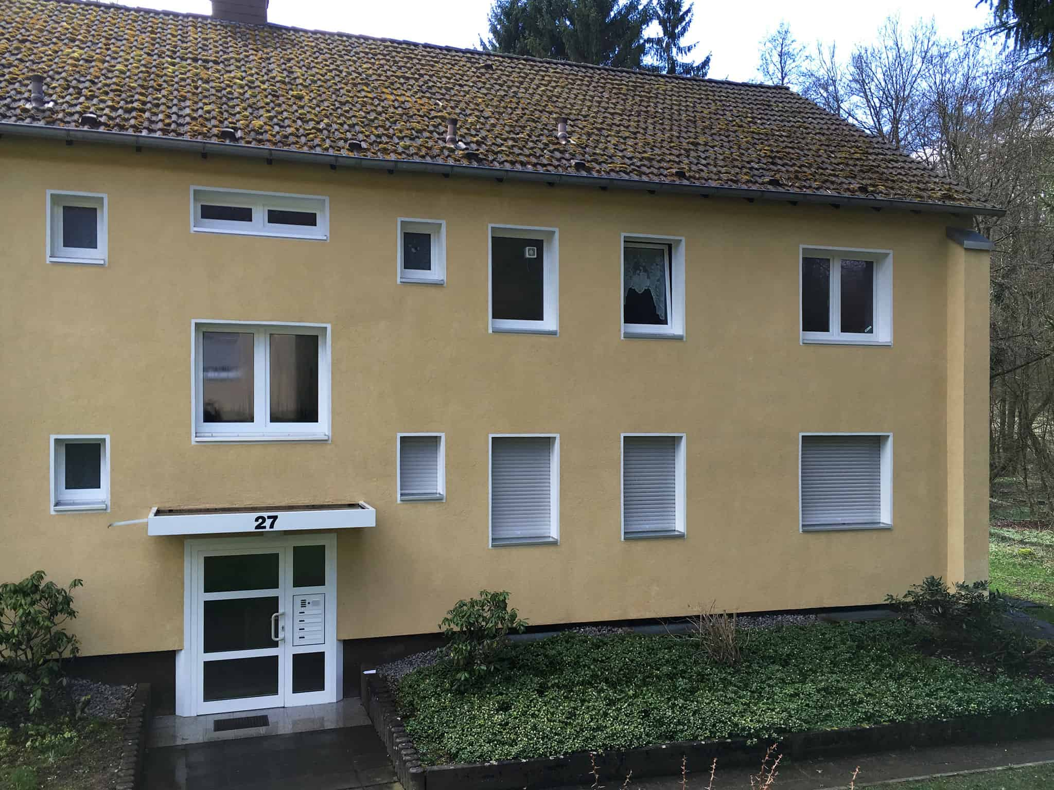 fertige Reinigung an der Fassade