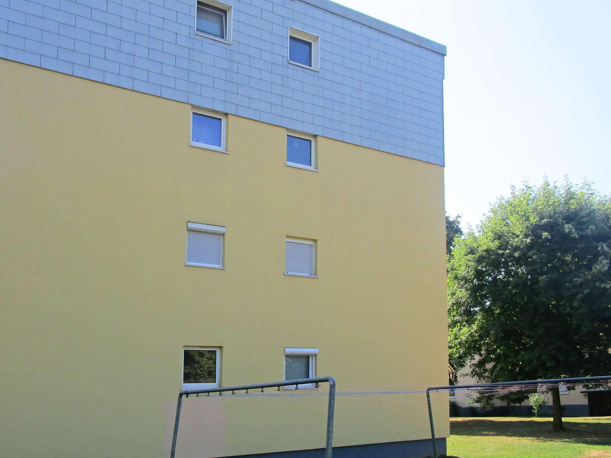 fertige Fassadenreinigung: sauberes Ergebnis